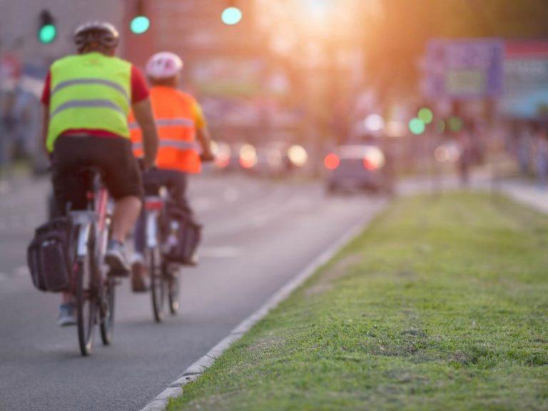 Mit Warnweste Fahrrad fahren sorgt für Sicherheit – oder nicht?