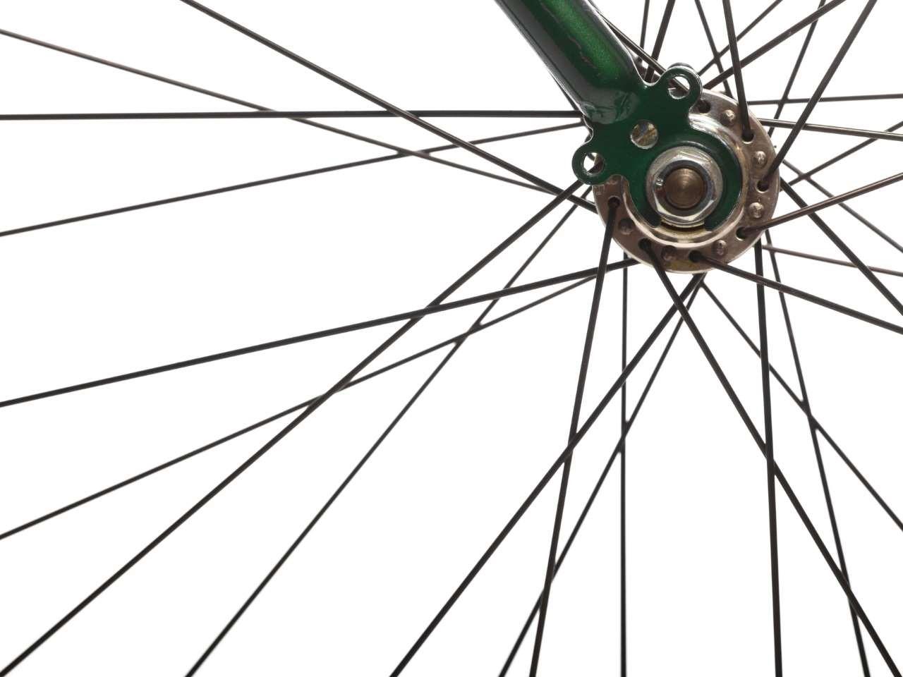 laufrad-mit-fahrradspeichen
